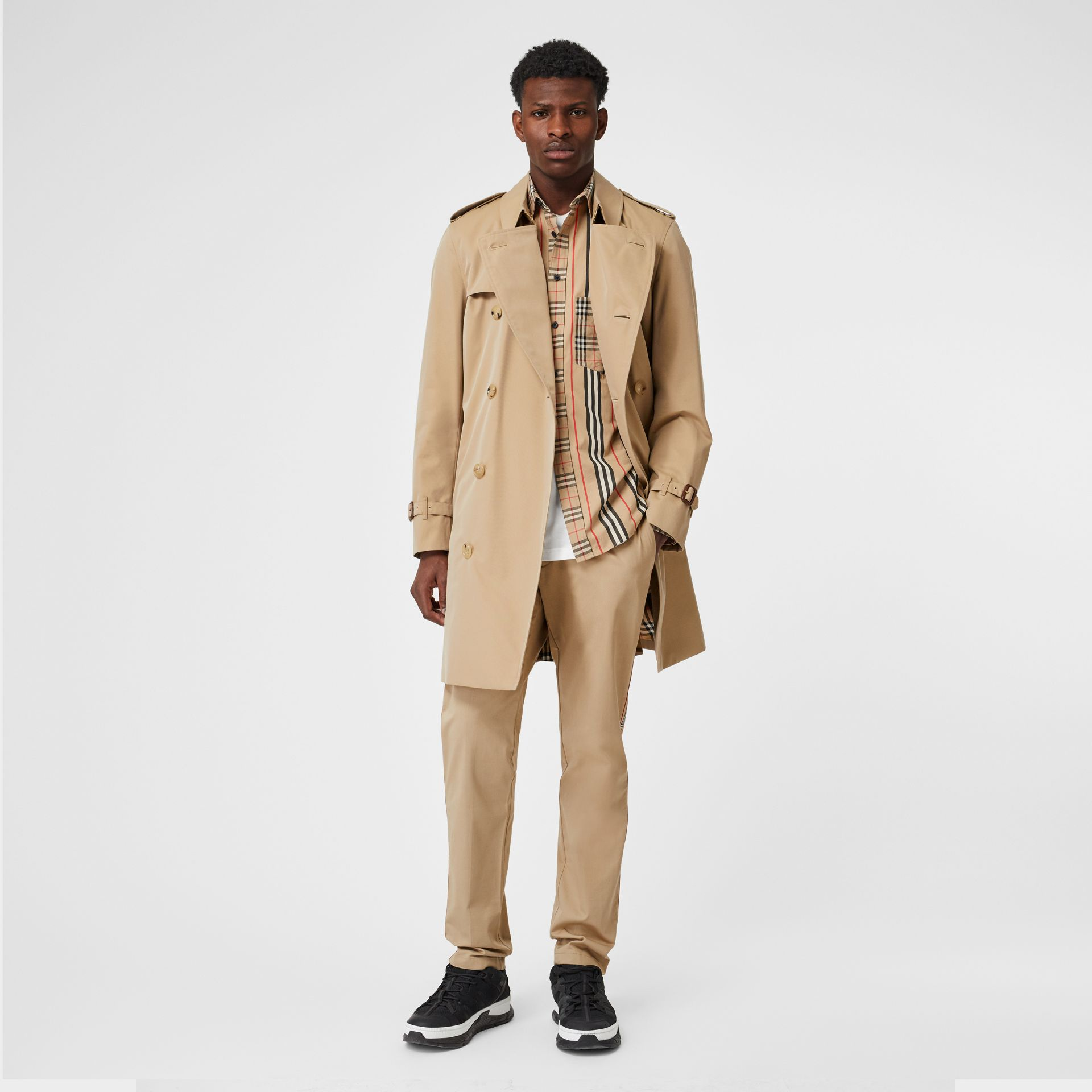 Trench Heritage The Chelsea (Miel) - Homme | Burberry Canada - photo de la galerie 0