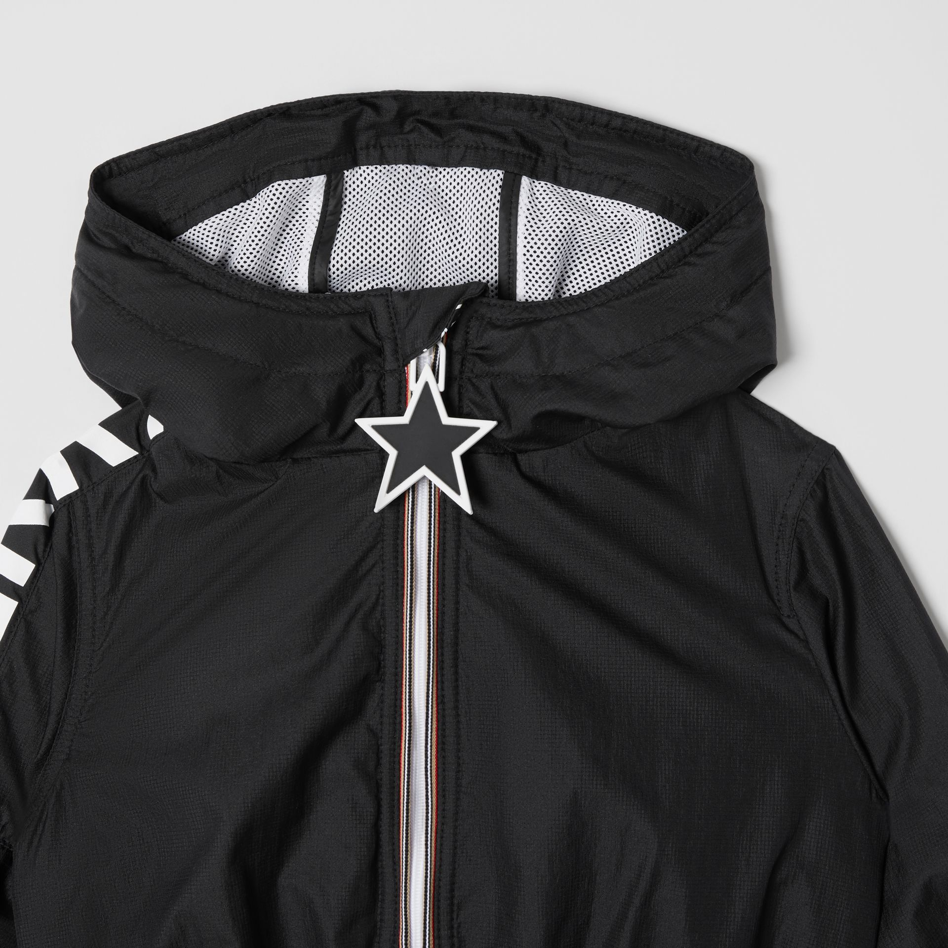 Star Detail Logo Print Lightweight Hooded Jacket in Black - Children | Burberry Canada - gallery image 5