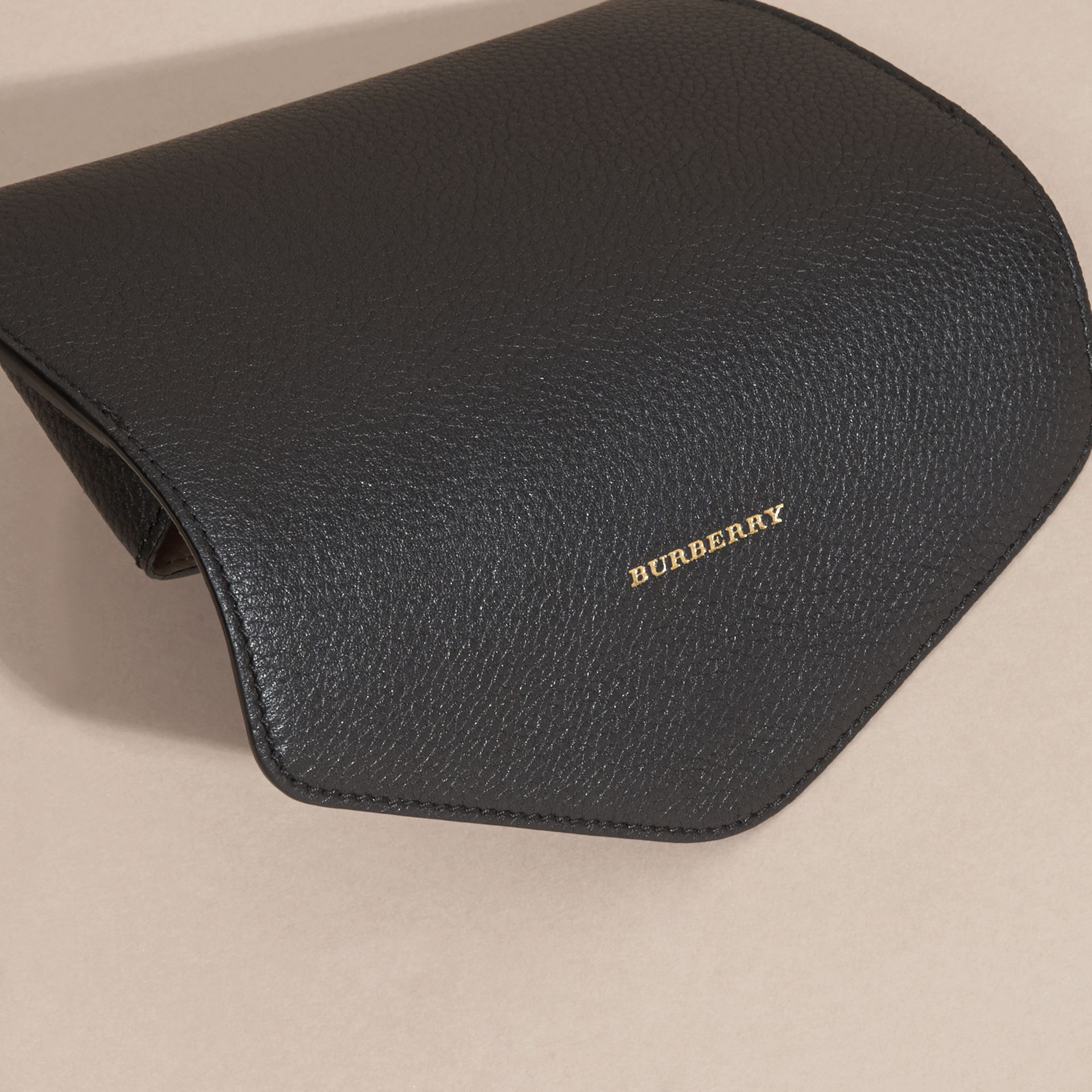 Black Grainy Leather Eyewear Case Black - gallery image 4