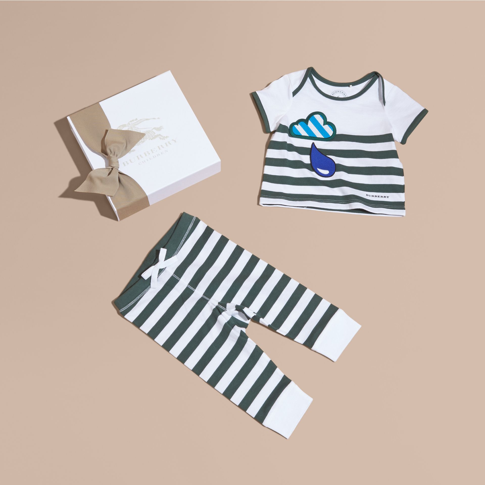 Striped Cotton Two-piece Baby Gift Set with Appliqué Racing Green - gallery image 1