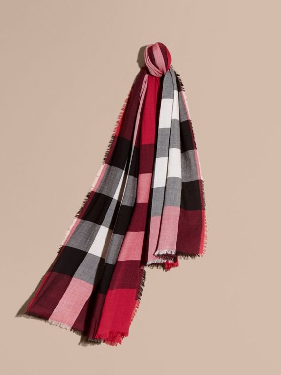 The Lightweight Cashmere Scarf in Check in Fuchsia Pink | Burberry