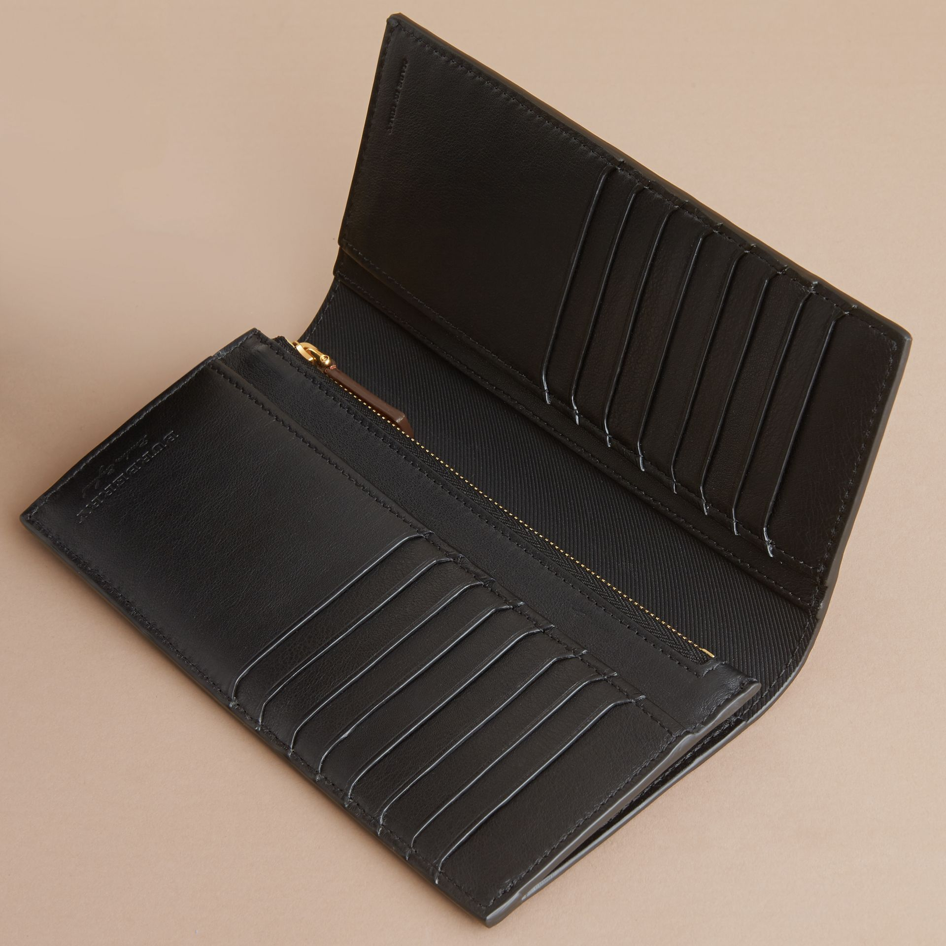 Trench Leather Continental Wallet Black - gallery image 5
