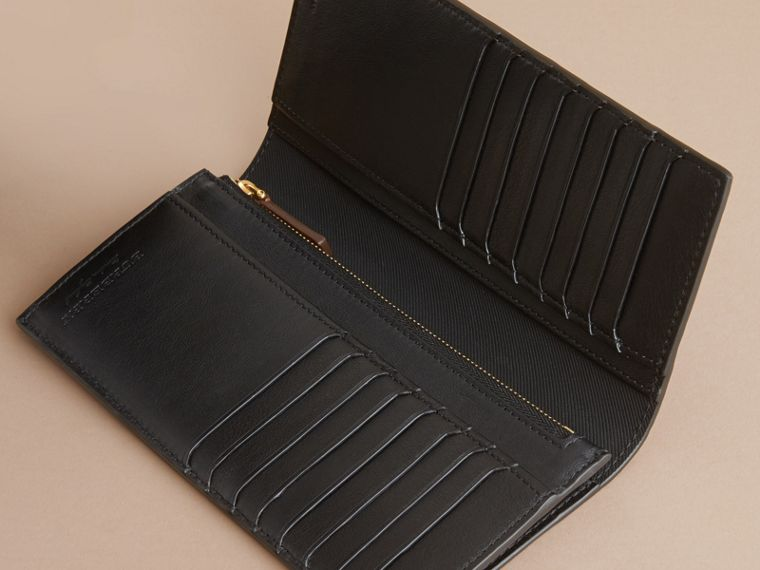 Trench Leather Continental Wallet Black - cell image 4