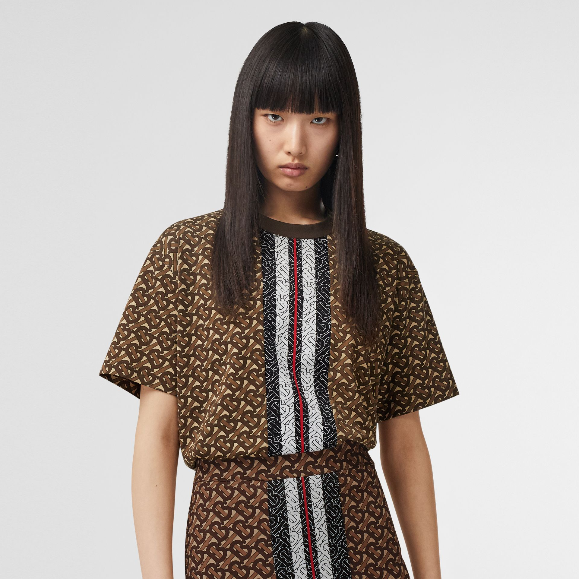 Monogram Stripe Print Cotton Oversized T-shirt in Bridle Brown - Women | Burberry Singapore - gallery image 4