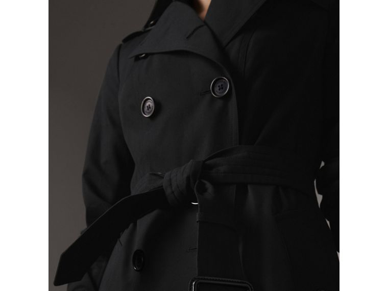 The Sandringham – Extra-long Trench Coat in Black - Women | Burberry Hong Kong - cell image 4