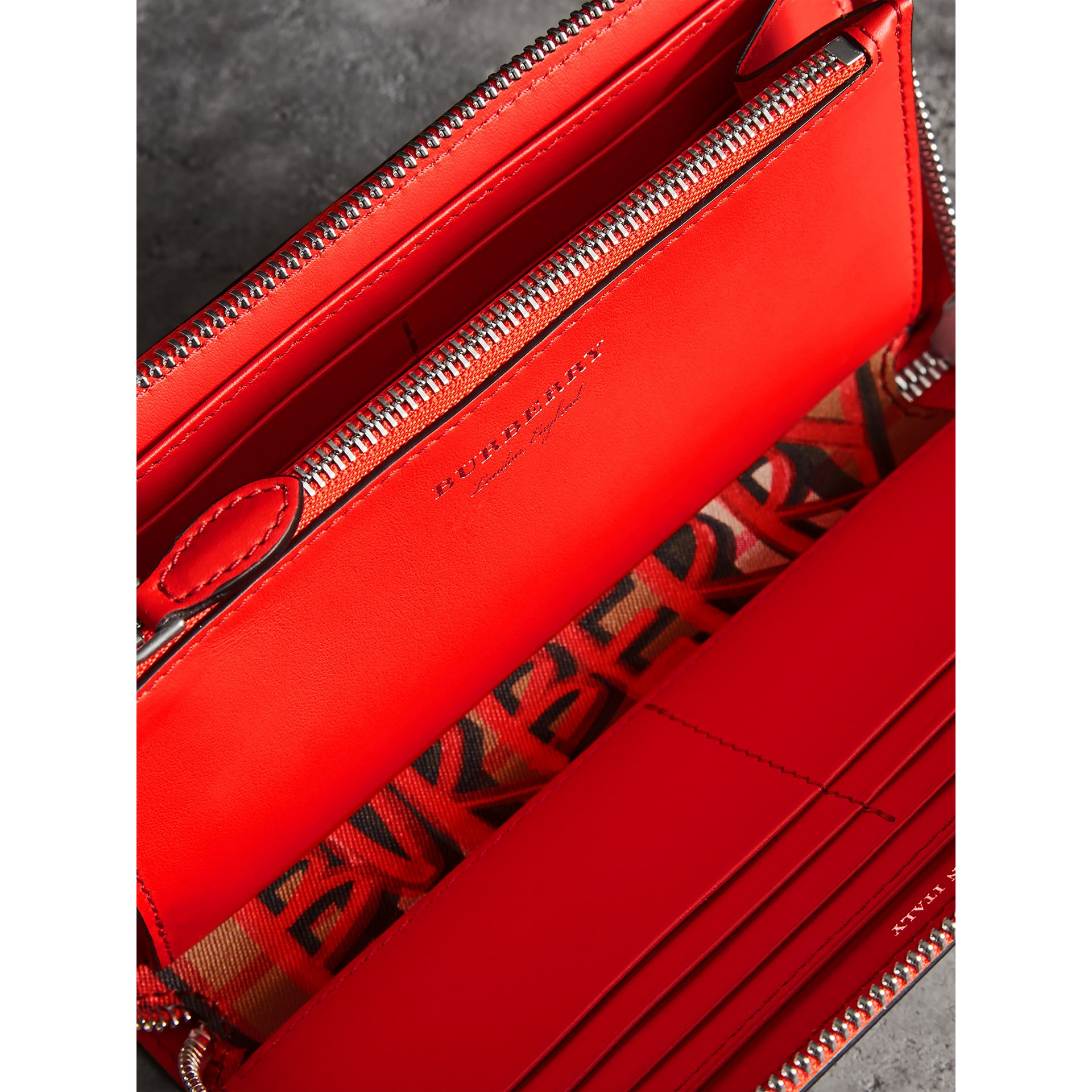 Graffiti Print Vintage Check Leather Ziparound Wallet in Red - Women | Burberry - gallery image 3