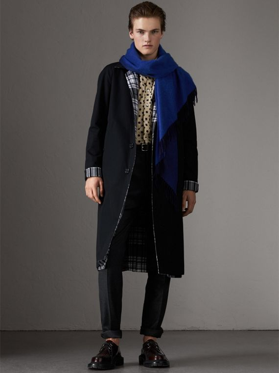 The Burberry Bandana in Cashmere in Navy/sapphire | Burberry United Kingdom - cell image 3