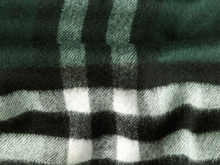 Dark forest green The Classic Cashmere Scarf in Check Dark Forest Green - cell image 4