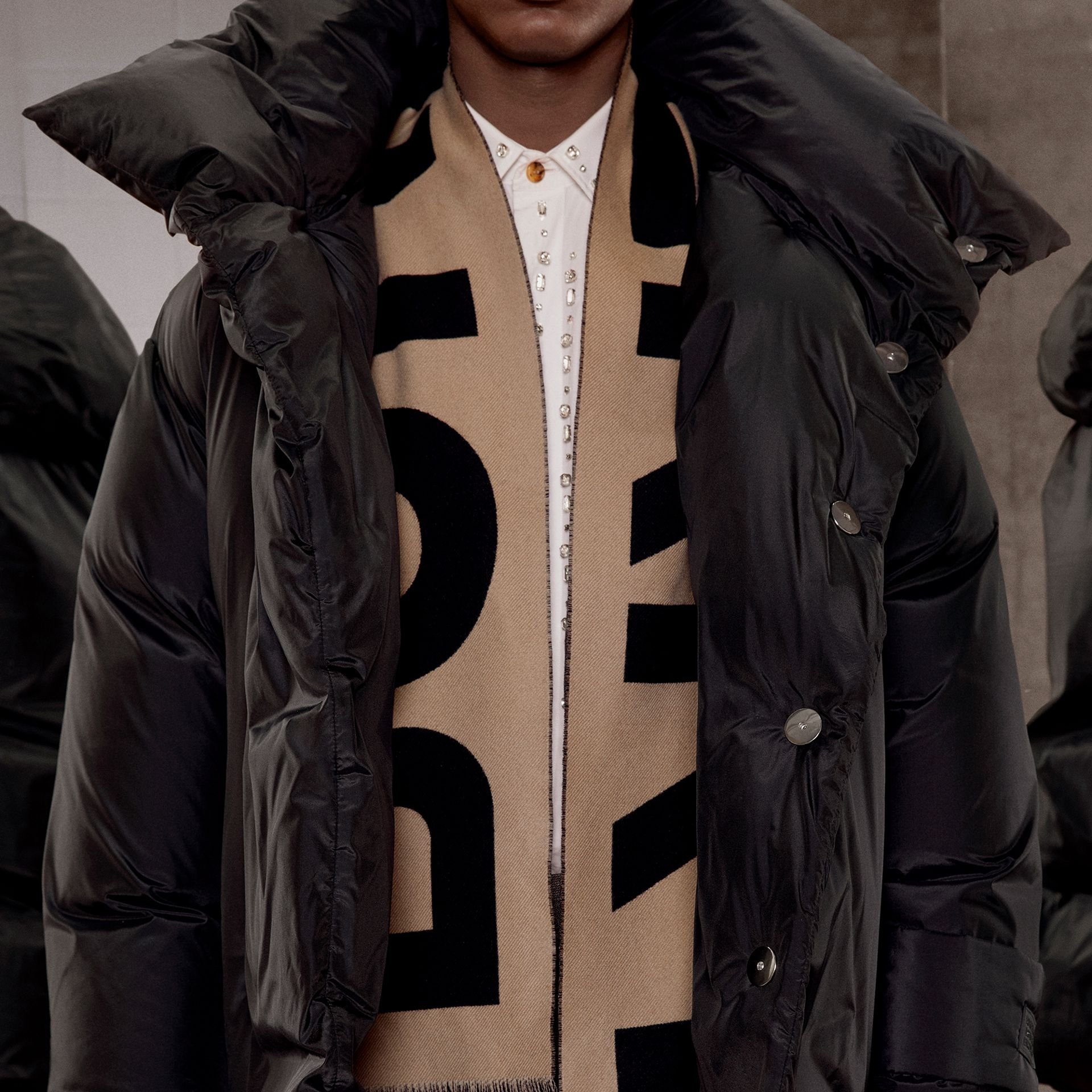 Logo Wool Jacquard Scarf in Archive Beige | Burberry - gallery image 8