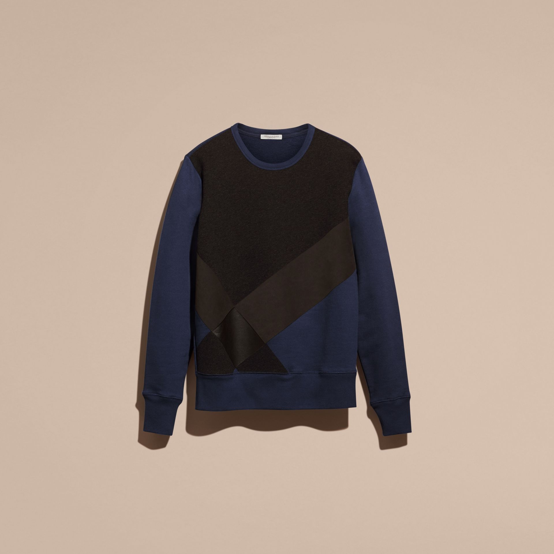 Indigo Sweat-shirt en coton color-block et cuir d'agneau - photo de la galerie 4