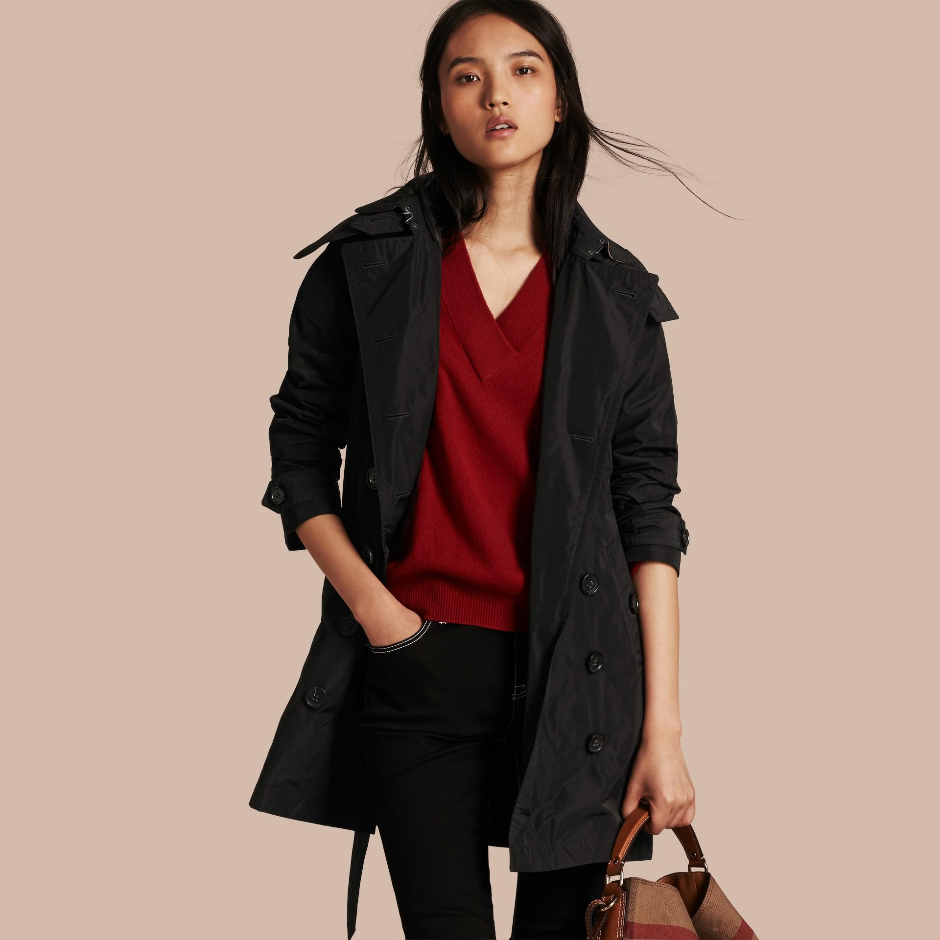 Noir Trench-coat en taffetas à capuche amovible Noir - photo de la galerie 1