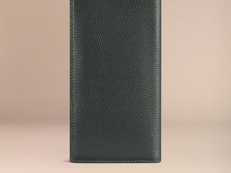 Grainy Leather Travel Card Case Dark Forest Green - cell image 2