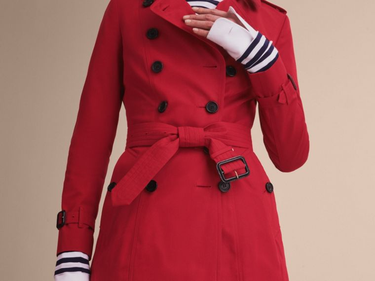 The Chelsea – Short Heritage Trench Coat in Parade Red - Women | Burberry - cell image 4