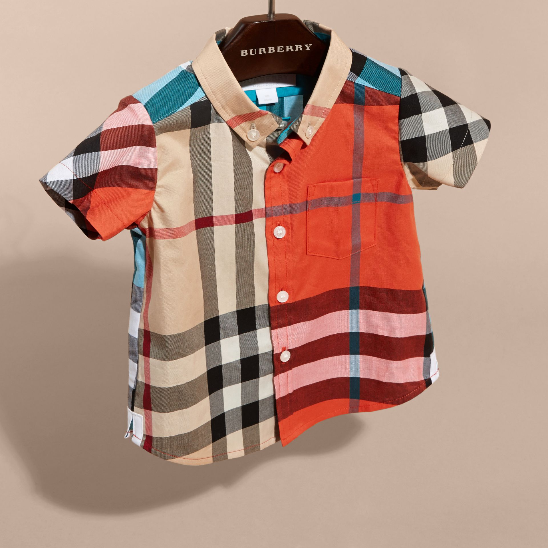 Short-sleeved Contrast Check Cotton Shirt in New Classic | Burberry - gallery image 3