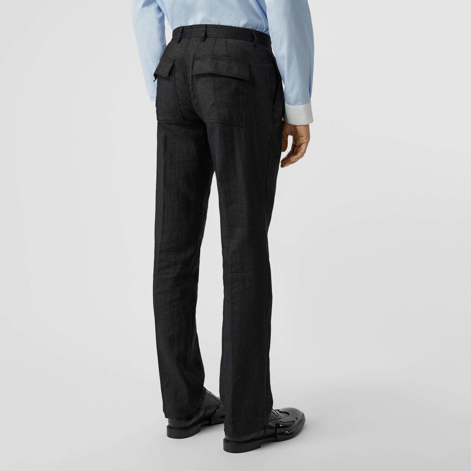 Pantalon plissé en lin mélangé avec zip (Noir) - Homme | Burberry - photo de la galerie 2
