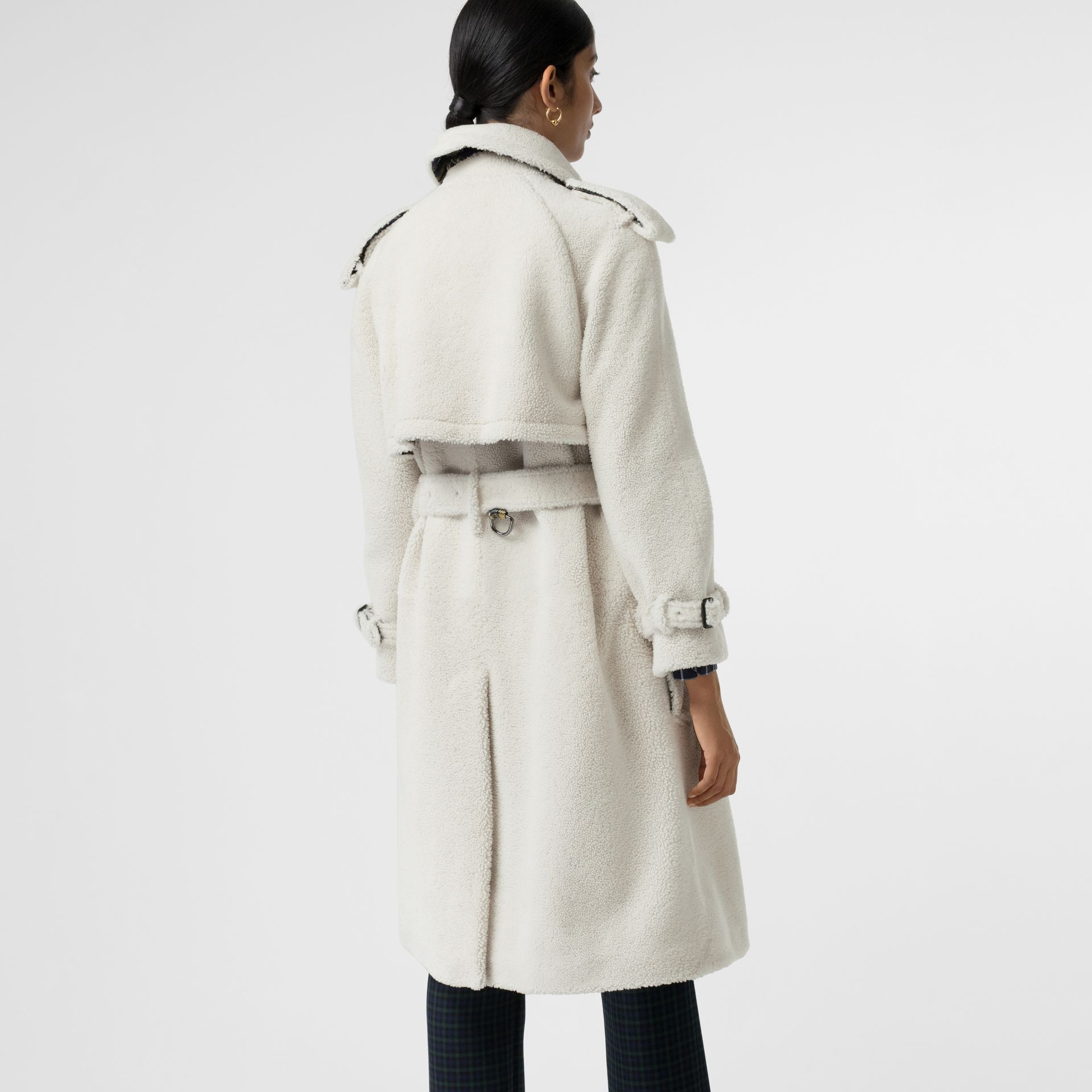 Tartan-lined Shearling Trench Coat in Off White - Women | Burberry - gallery image 2