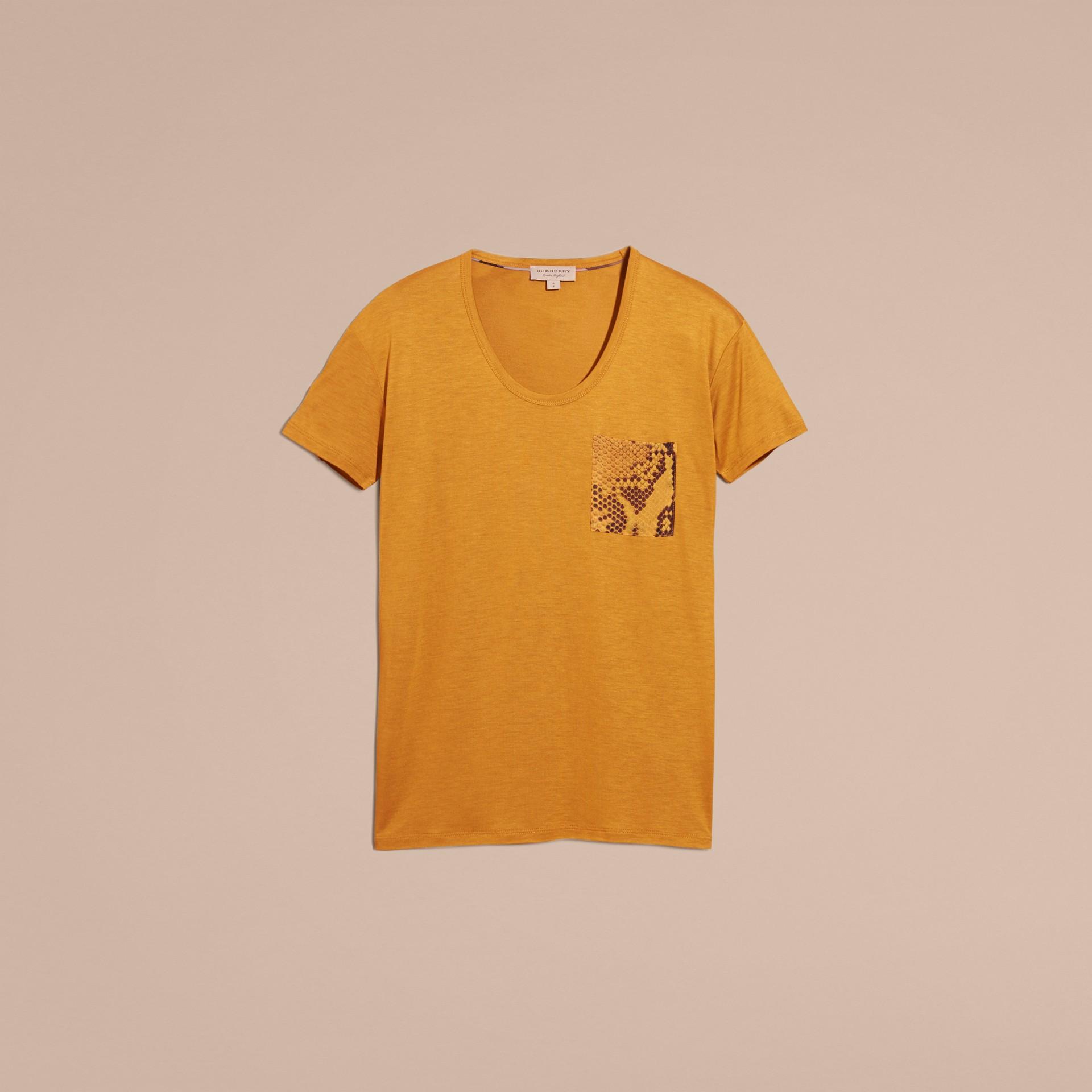 Ambra T-shirt con dettaglio con stampa pitone Ambra - immagine della galleria 4