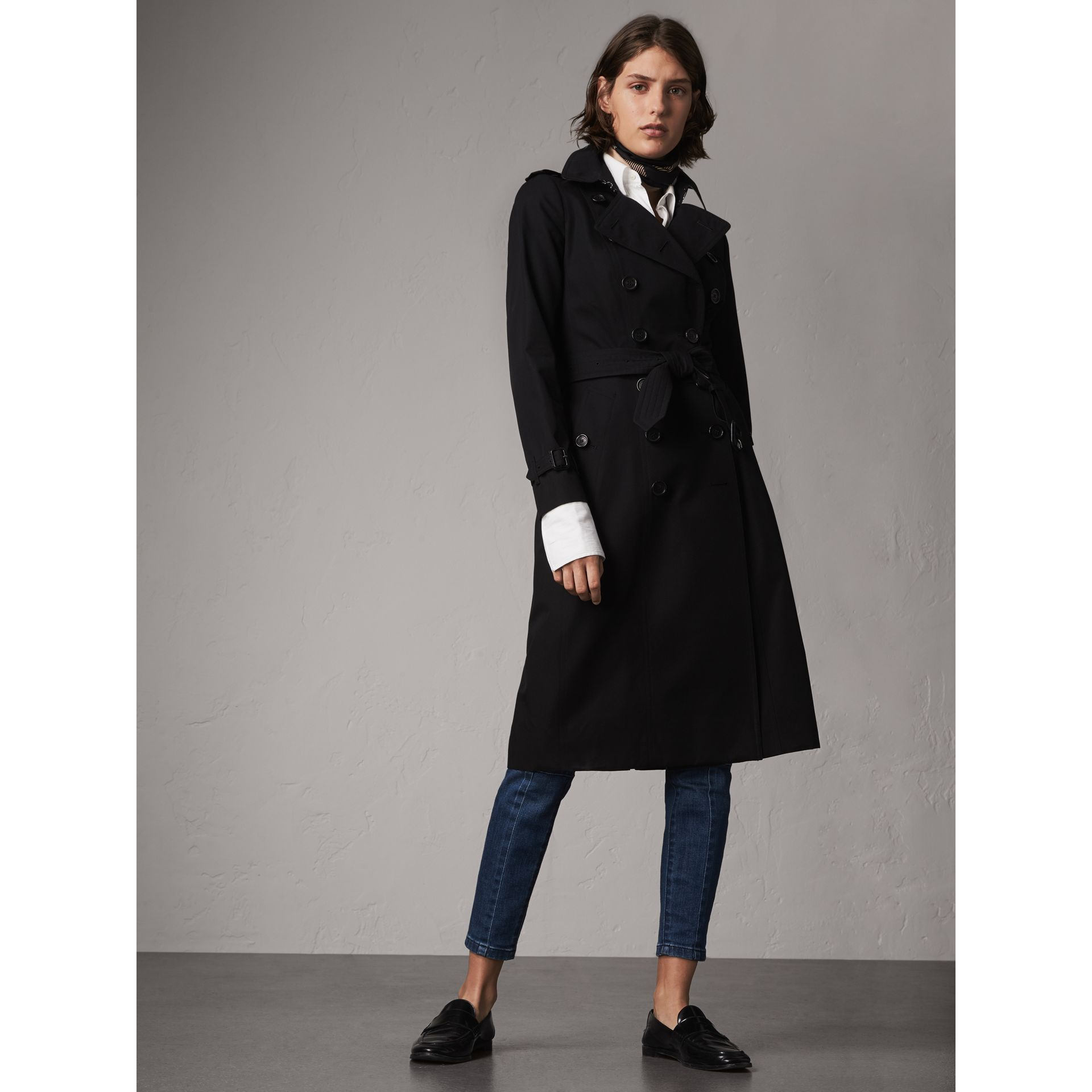 The Chelsea – Trench extra-long (Noir) - Femme | Burberry - photo de la galerie 1