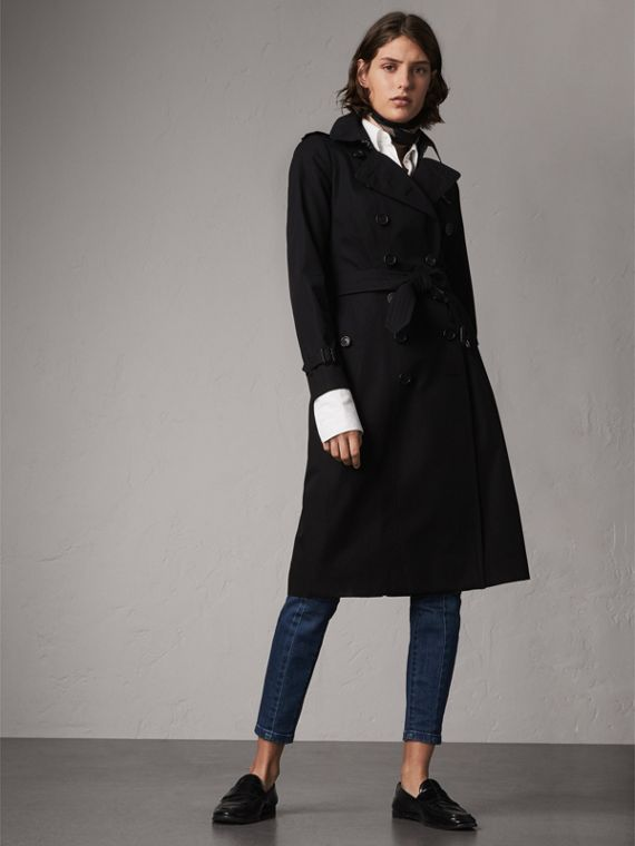 The Chelsea – Extra-long Heritage Trench Coat in Black