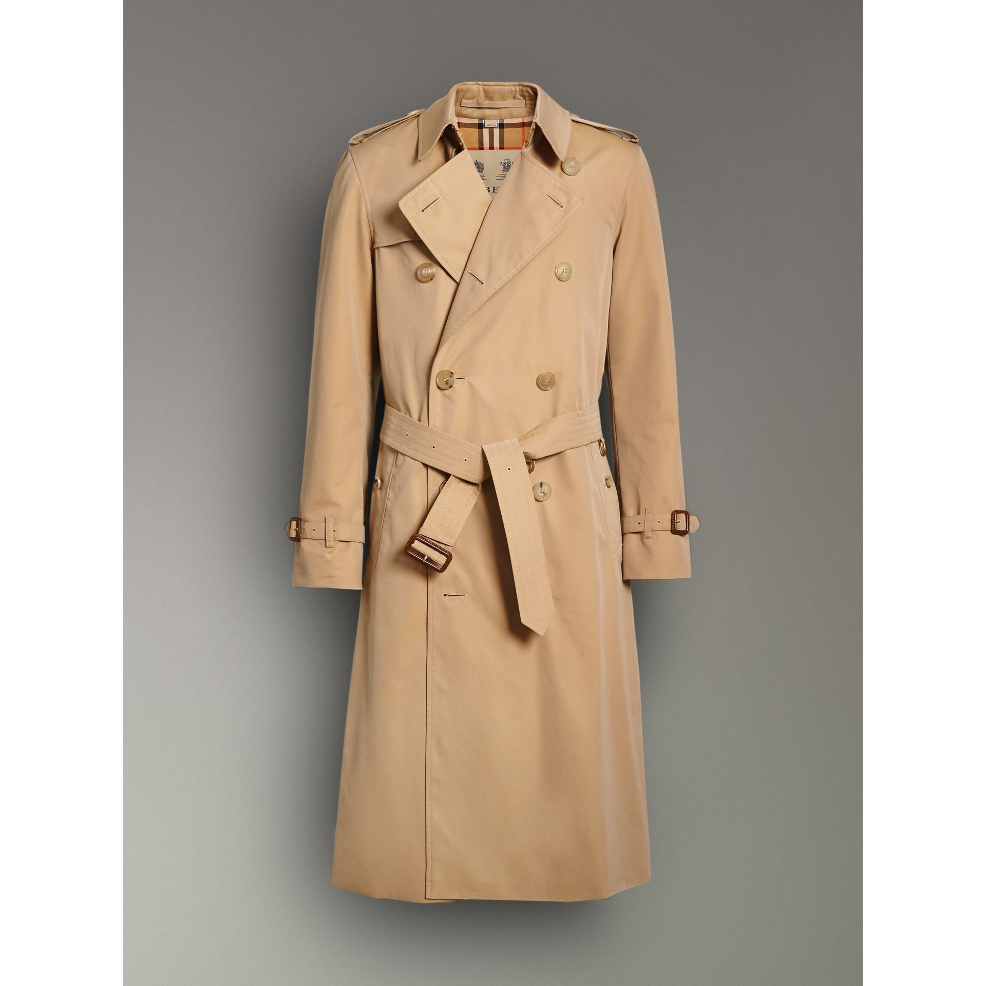 The Long Chelsea Heritage Trench Coat in Honey - Men | Burberry Australia - gallery image 3