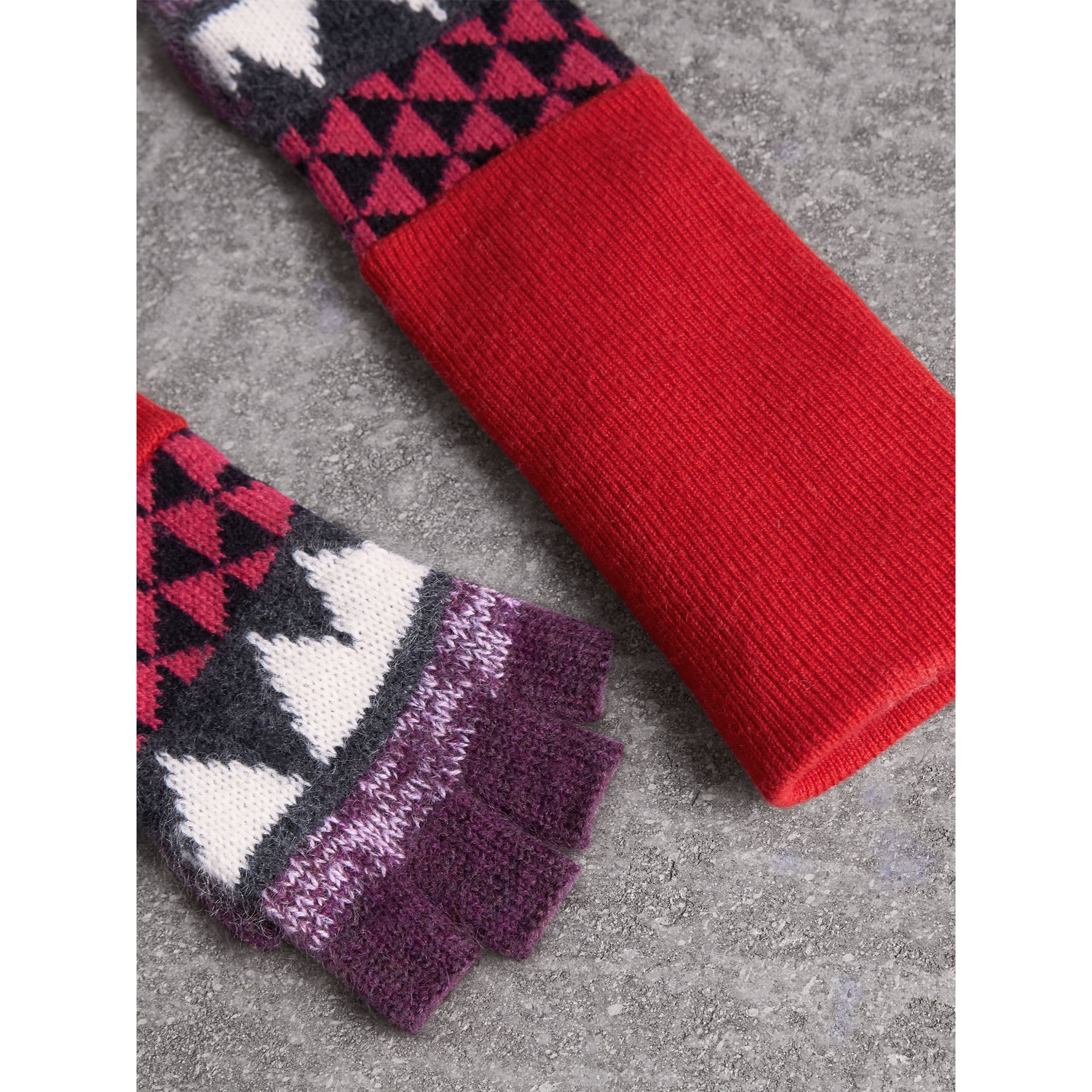 Geometric Cashmere Wool Blend Fingerless Gloves in Charcoal/red | Burberry Australia - gallery image 3