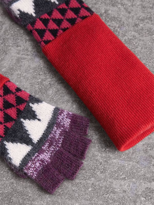Geometric Cashmere Wool Blend Fingerless Gloves in Charcoal/red | Burberry - cell image 3