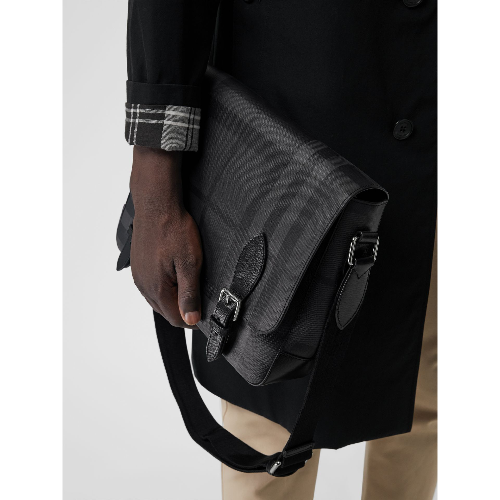 Medium Leather Trim London Check Messenger Bag in Charcoal/black - Men | Burberry Singapore - gallery image 3