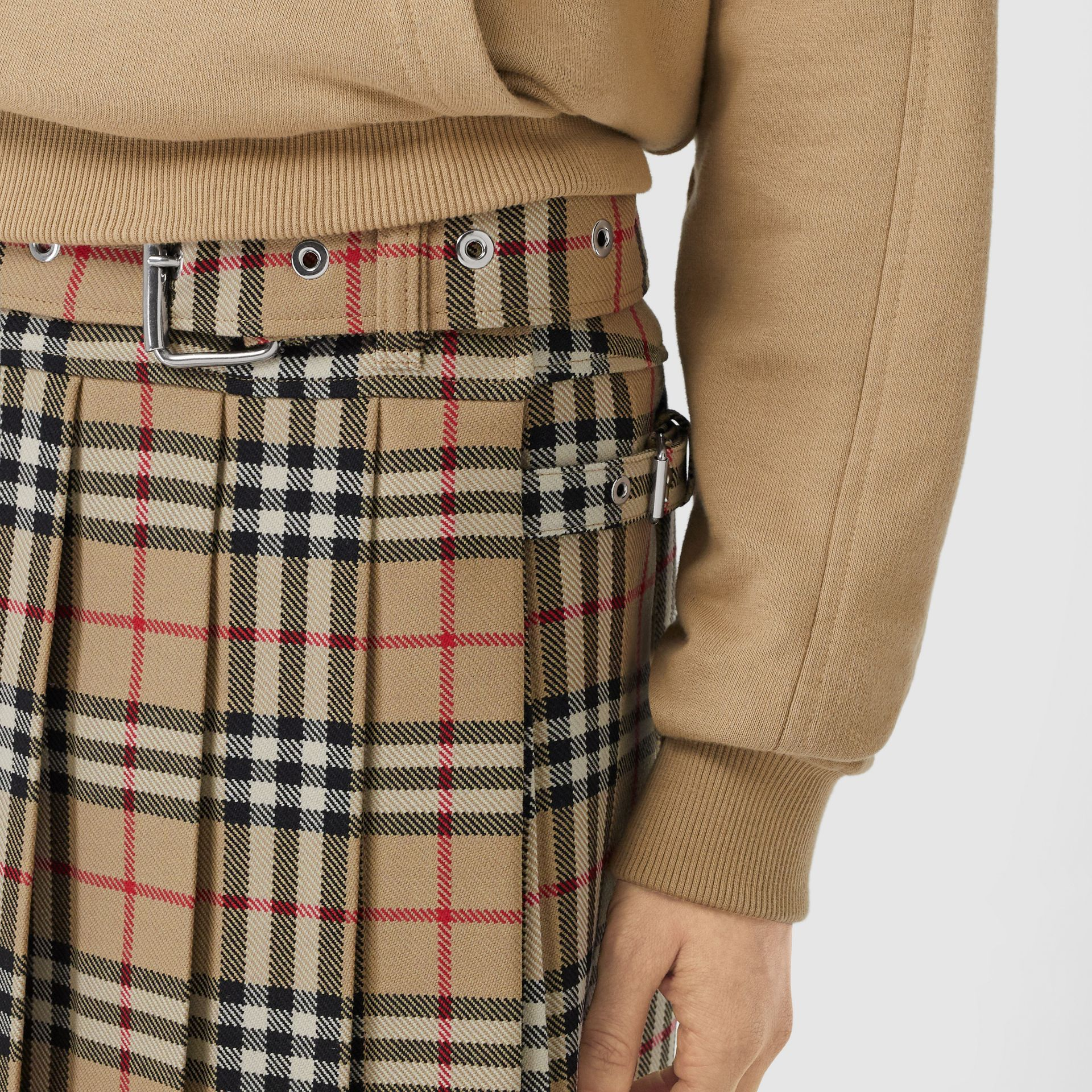 Vintage Check Wool Twill Kilt in Archive Beige | Burberry Singapore - gallery image 1