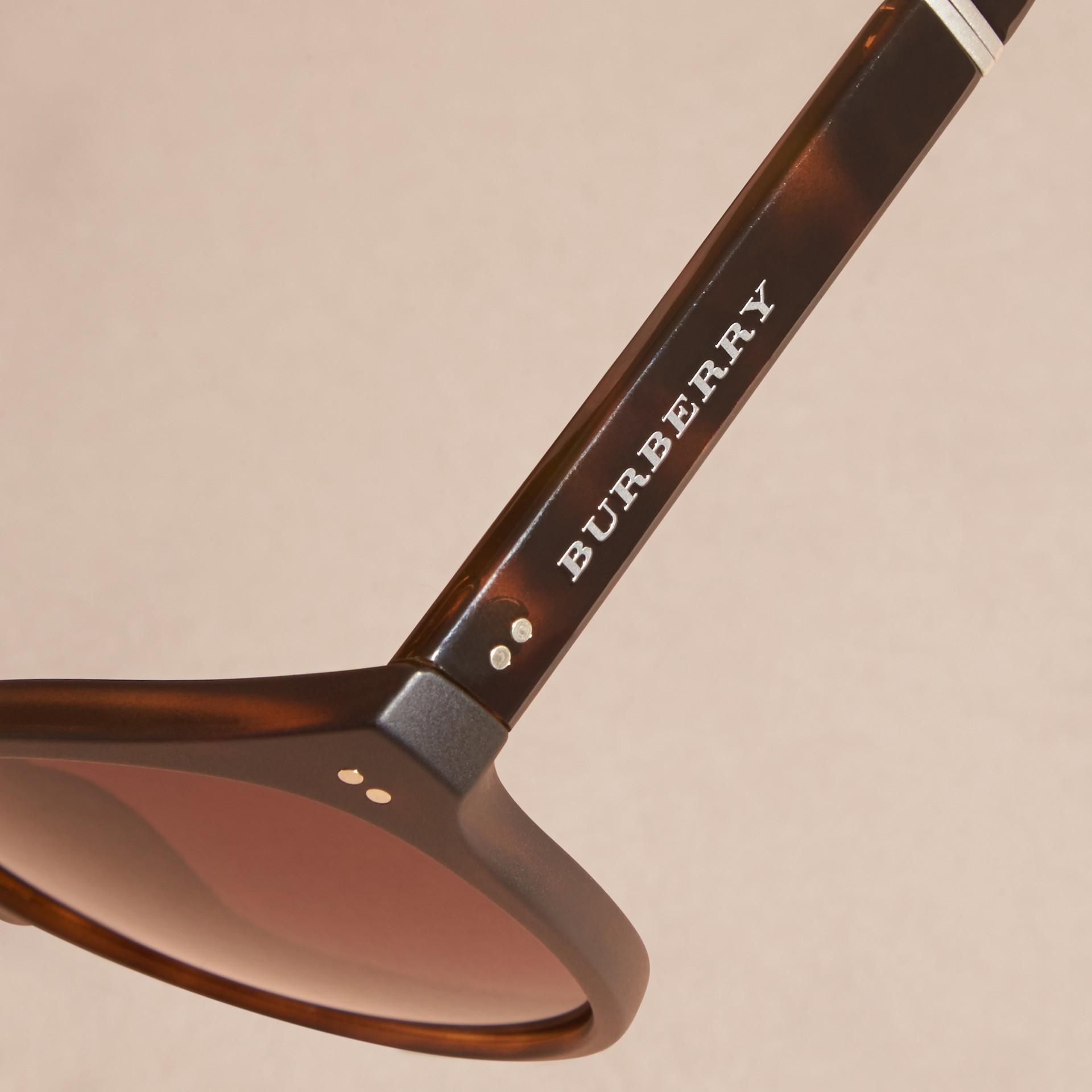 Tartarugato Occhiali da sole con montatura tonda pieghevole Tartarugato - immagine della galleria 2