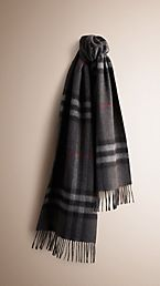 The Classic Cashmere Scarf in Heritage Check