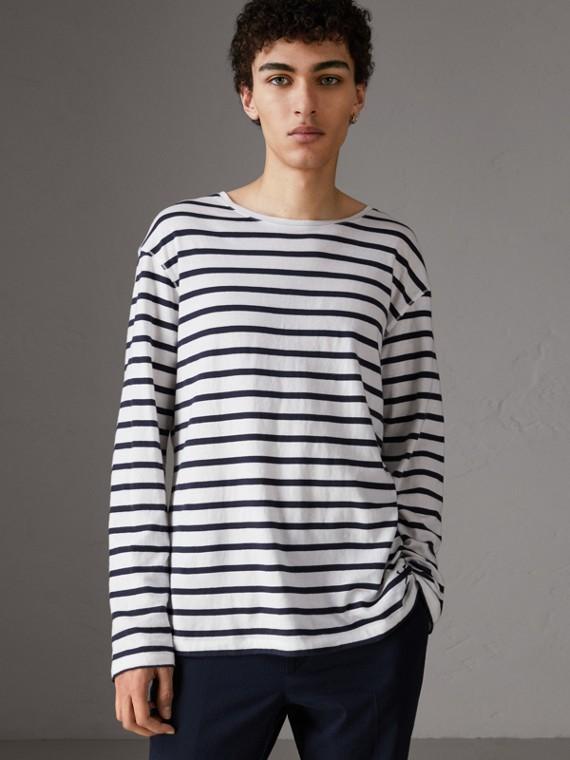 Top in jersey di cotone con righe breton (Bianco/blu)