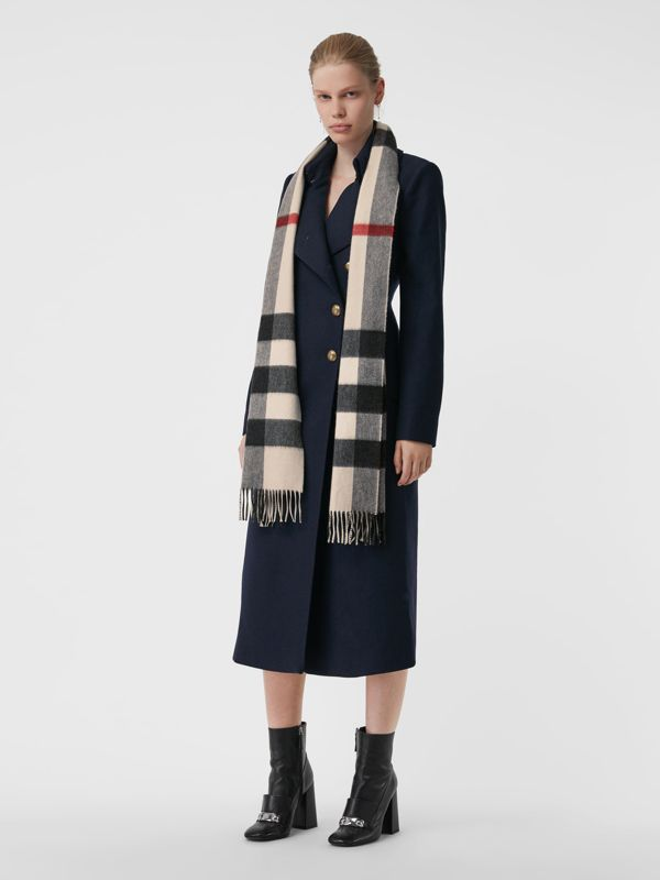 The Large Classic Cashmere Scarf in Check in Stone | Burberry Singapore - cell image 2
