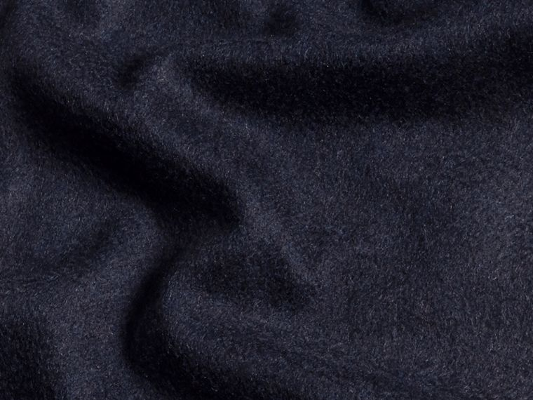 The Classic Cashmere Scarf in Navy - cell image 4