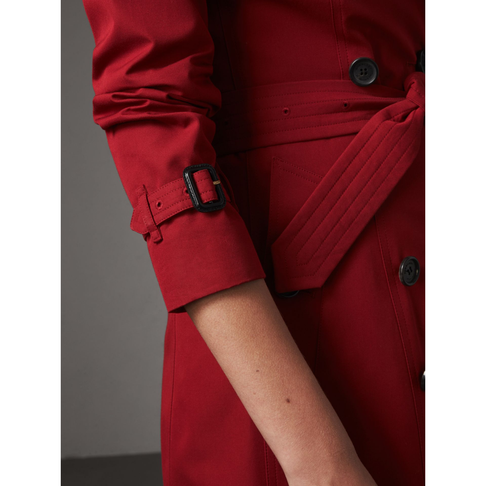 The Chelsea – Long Trench Coat in Parade Red - Women | Burberry - gallery image 6