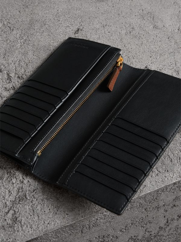 Trench Leather Continental Wallet in Black - Men | Burberry United Kingdom - cell image 3