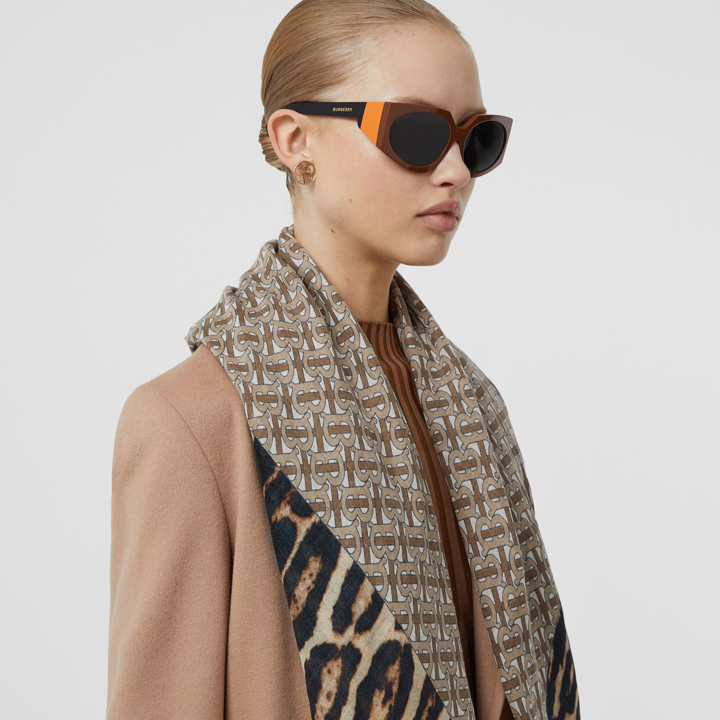 Geometric Frame Sunglasses in Tan - Women | Burberry - 3