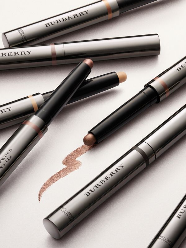 Eye Colour Contour – Smokey Green No.122 - Women | Burberry Australia - cell image 2
