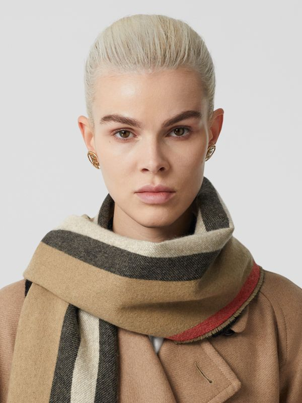 Reversible Icon Stripe Cashmere Scarf in Archive Beige | Burberry Canada - cell image 2
