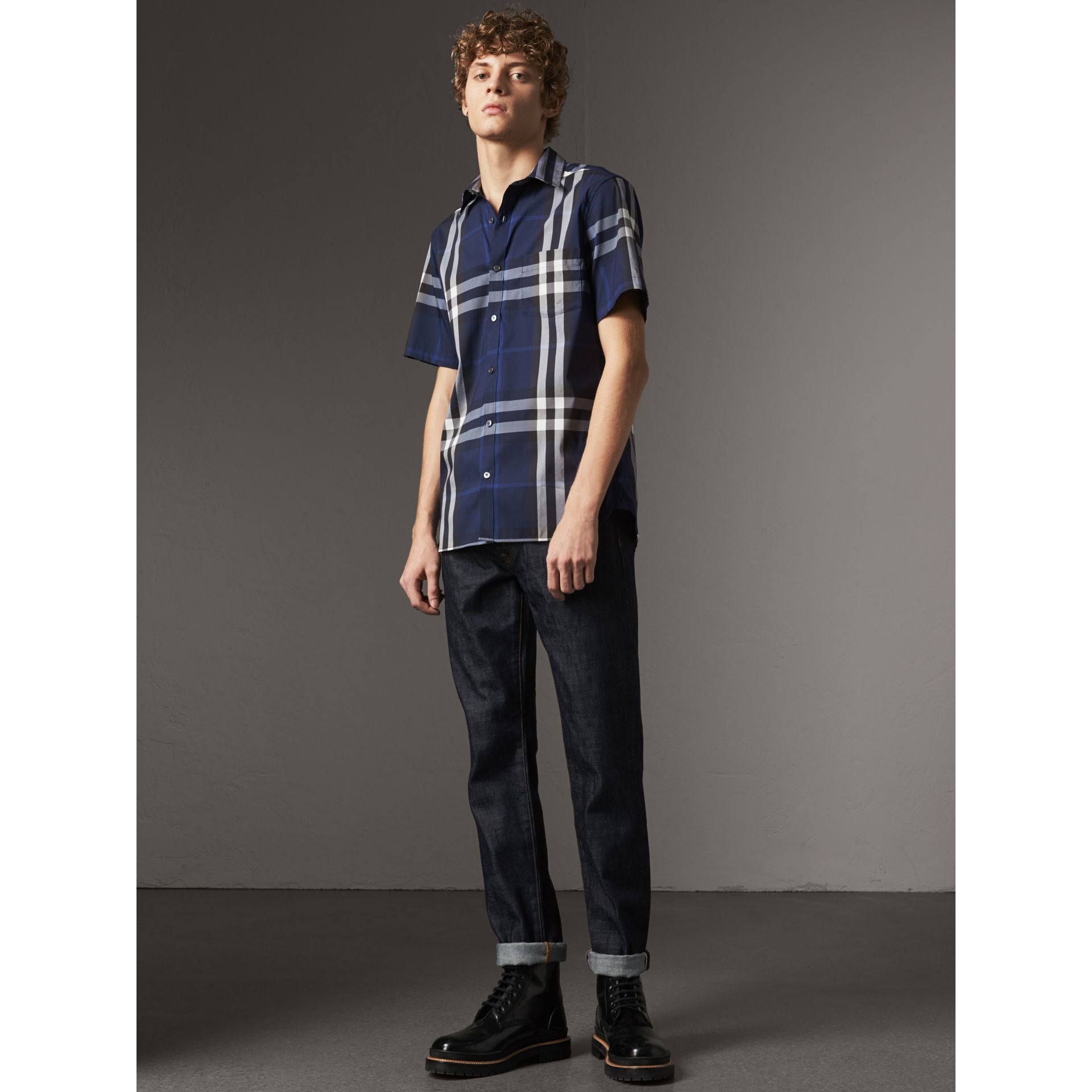 Short-sleeved Check Stretch Cotton Shirt in Indigo Blue - Men | Burberry Canada - gallery image 0