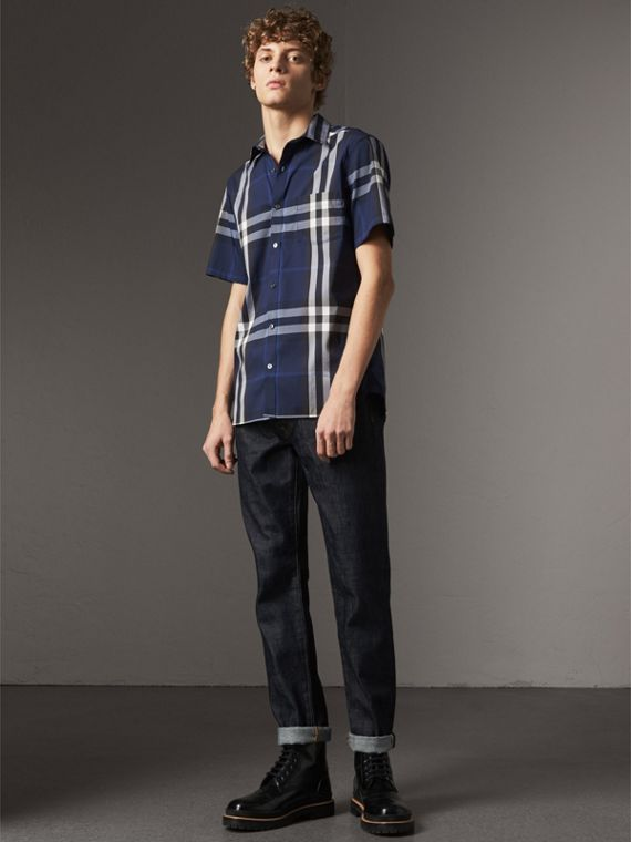 Short-sleeved Check Stretch Cotton Shirt in Indigo Blue