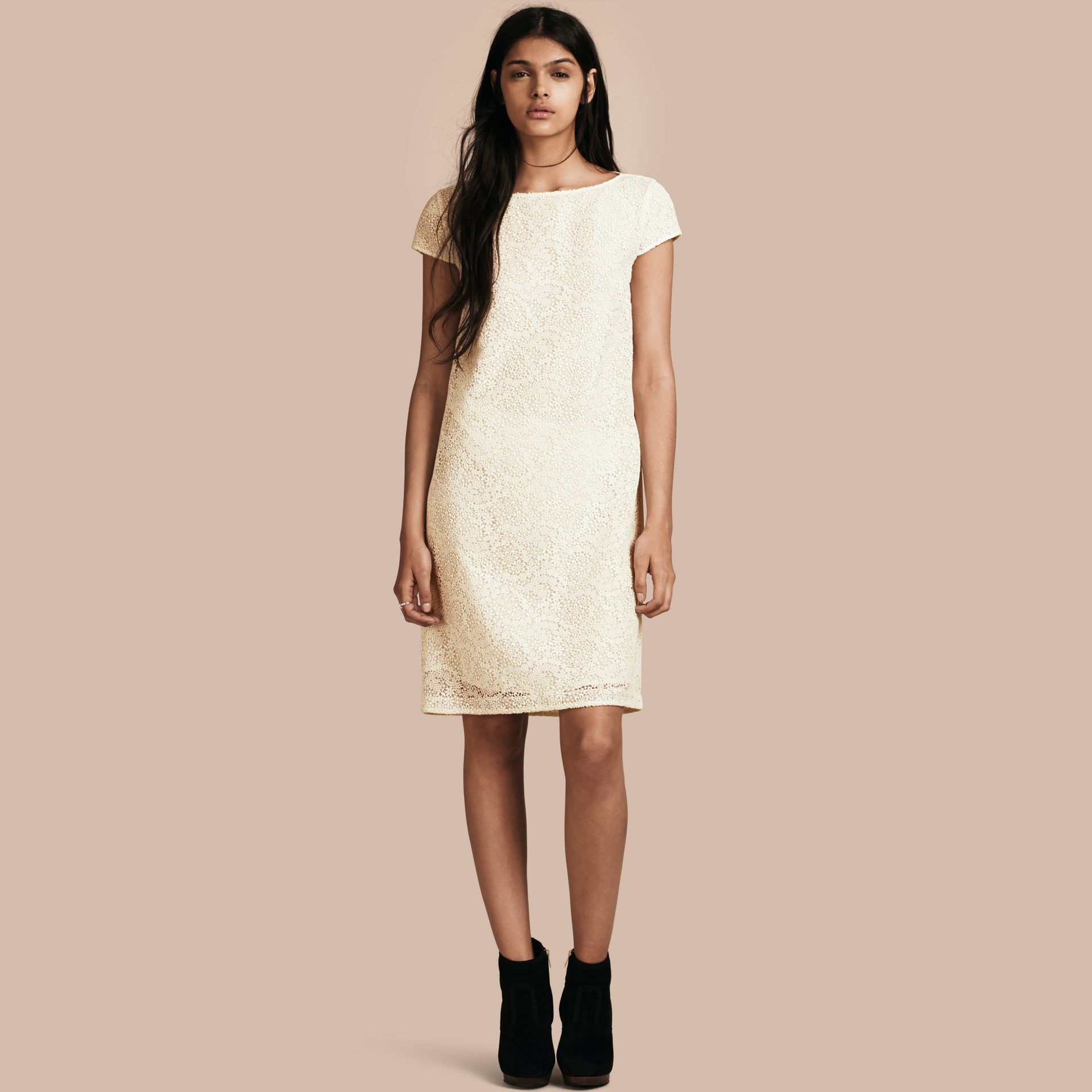 Off white Online Exclusive Italian Lace Shift Dress Off White - gallery image 1
