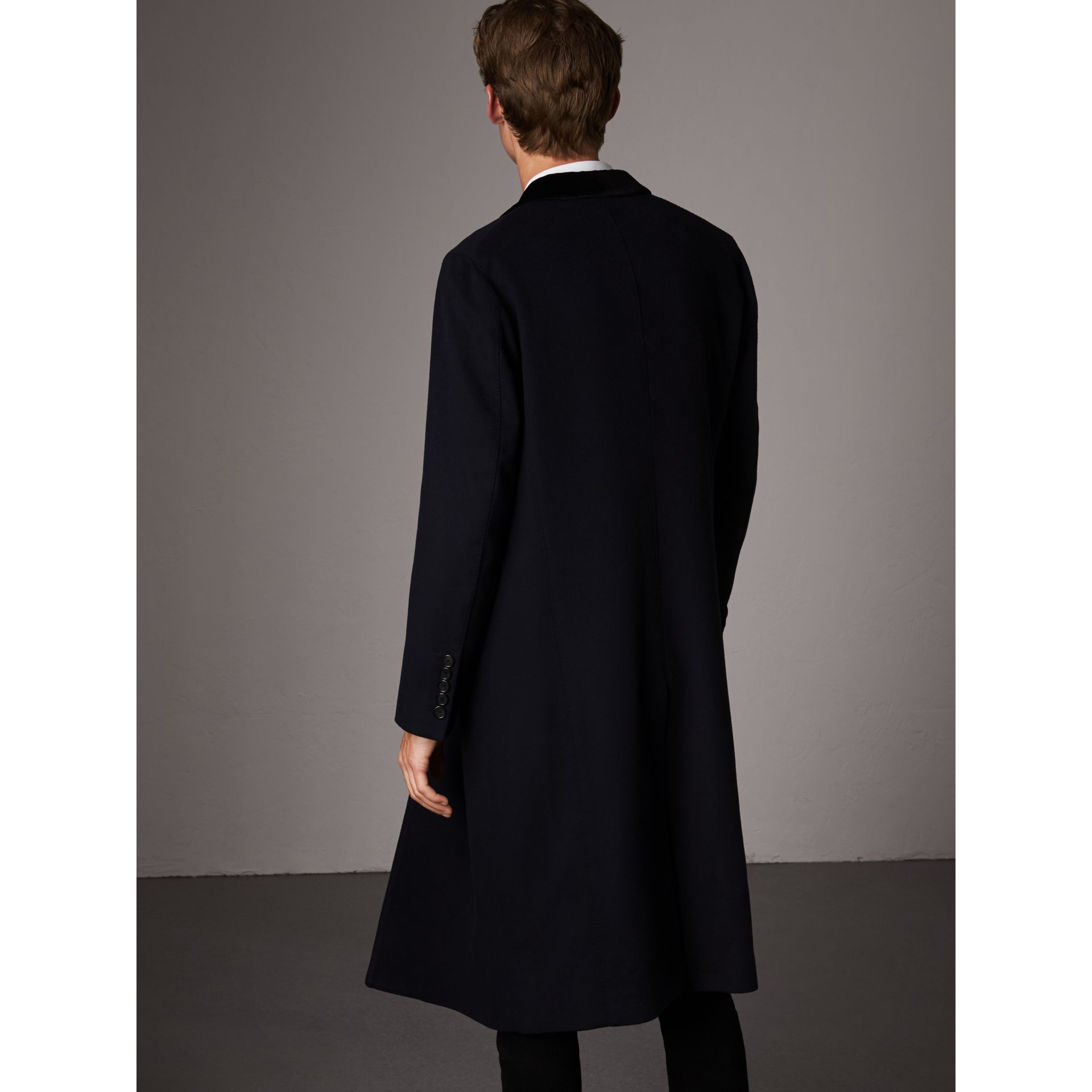 Velvet Collar Wool Cashmere Coat in Navy - Men | Burberry United Kingdom - gallery image 2