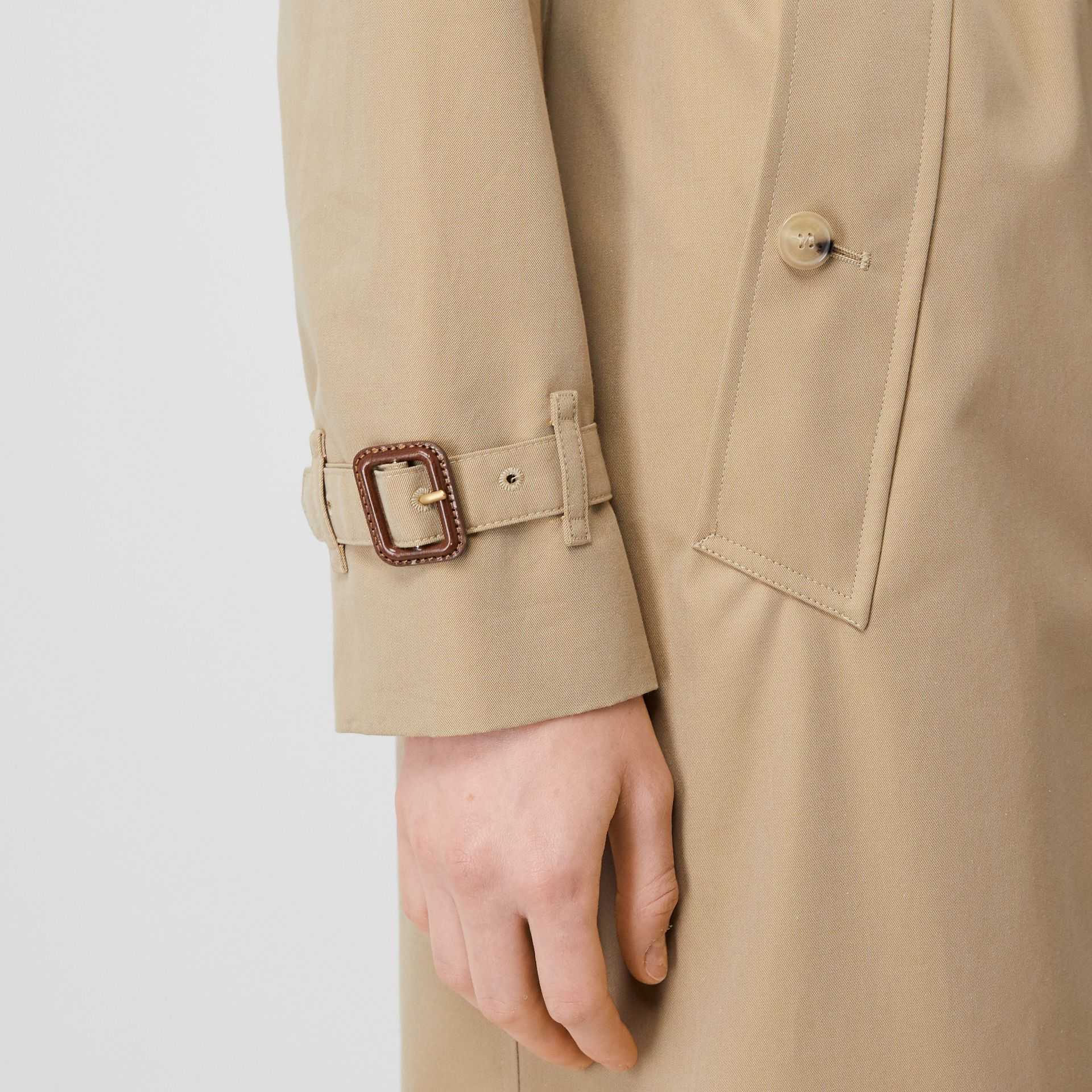 The Long Kensington Heritage Trench Coat in Honey - Women | Burberry United States - gallery image 6