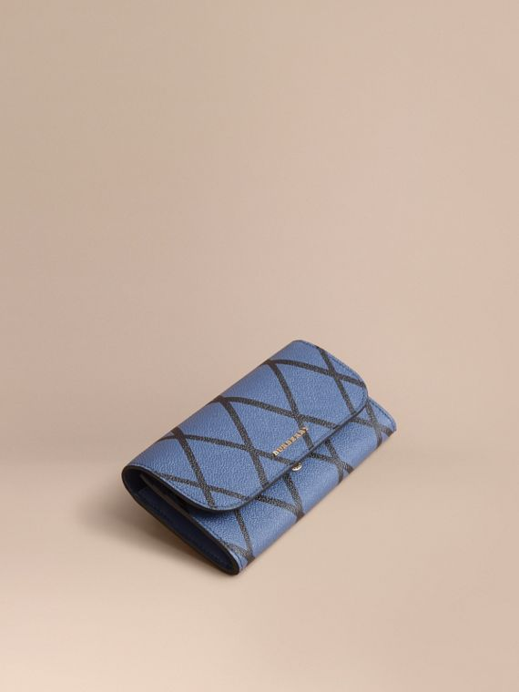Trompe L'oeil Print Leather Continental Wallet