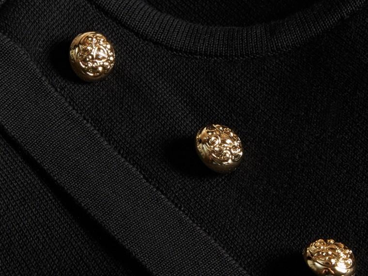 Schwarz Strickkleid im Military-Stil aus Baumwollstretchseide - cell image 1