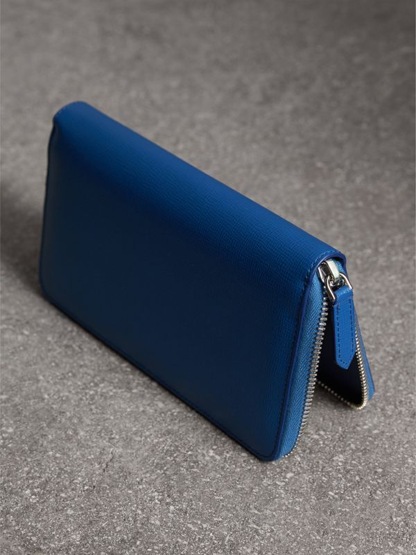 London Leather Ziparound Wallet in Deep Blue | Burberry - cell image 2