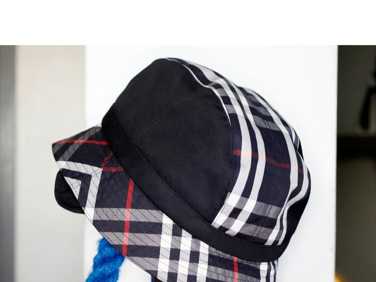Gosha x Burberry Bucket Hat in Navy | Burberry Hong Kong - cell image 4