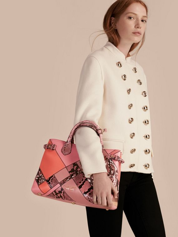 Sac The Banner medium en cuir et python façon patchwork (Rose Cendré) - Femme | Burberry - cell image 2