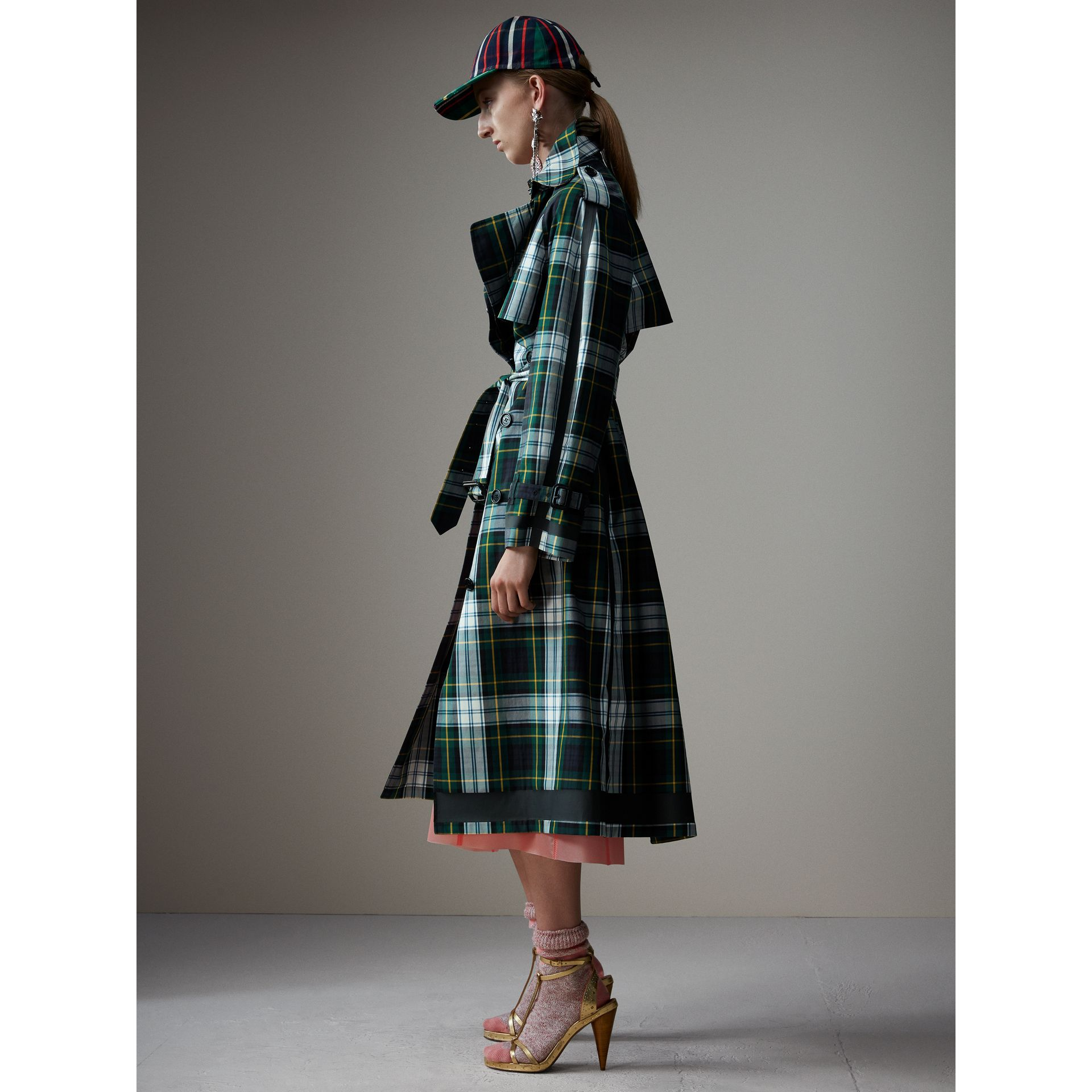 Tartan Cotton Gabardine Trench Coat in Ink Blue - Women | Burberry - gallery image 6