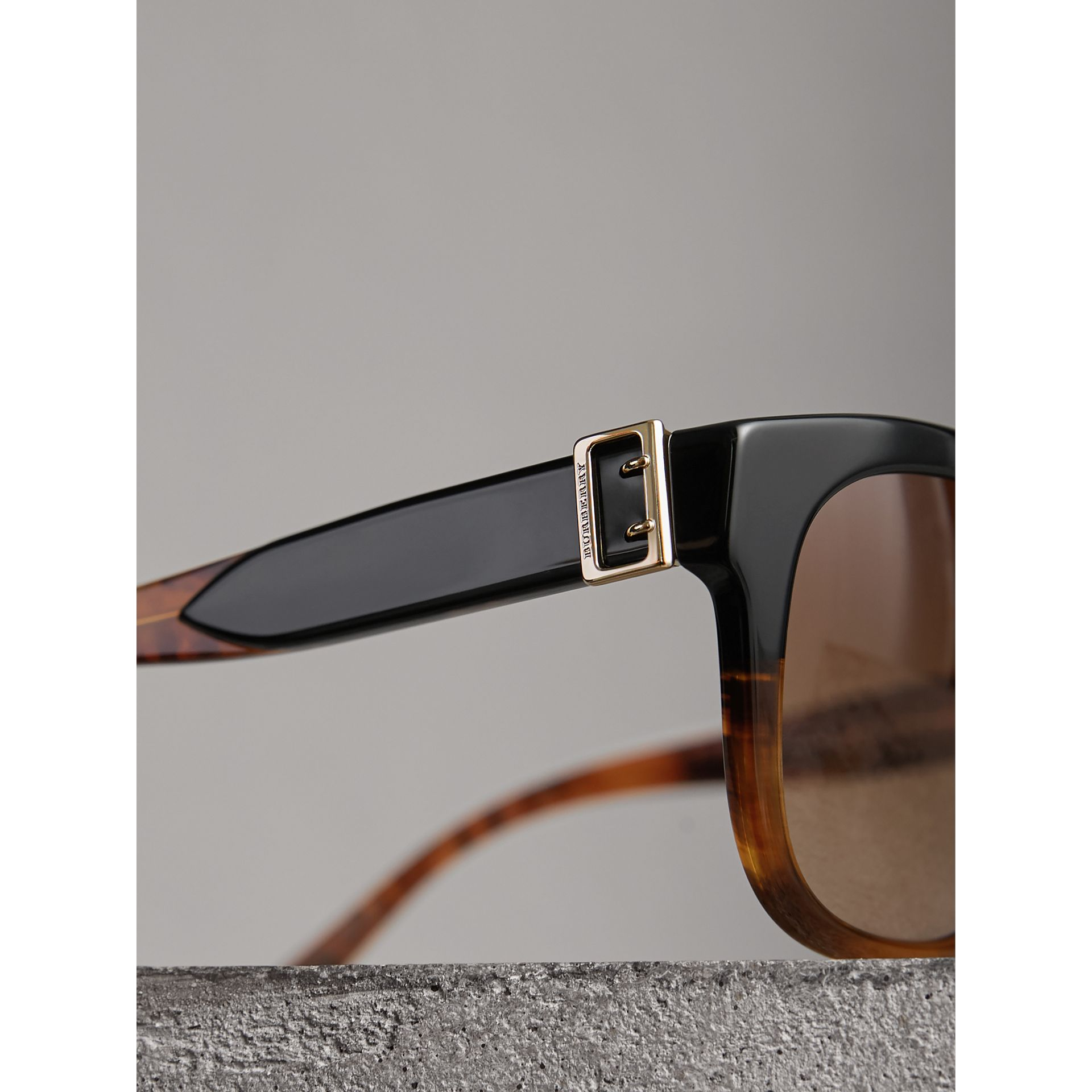 Buckle Detail Square Frame Sunglasses in Black - Women | Burberry United Kingdom - gallery image 1